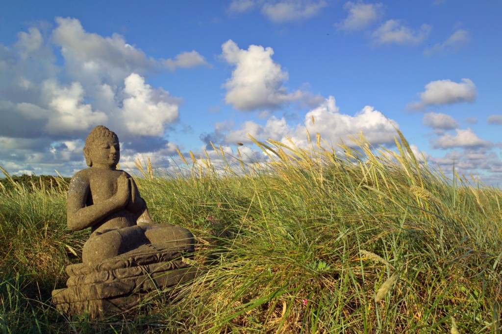Buddha am Strand von Rantum, Foto: Holger Widera, Sylt Marketing